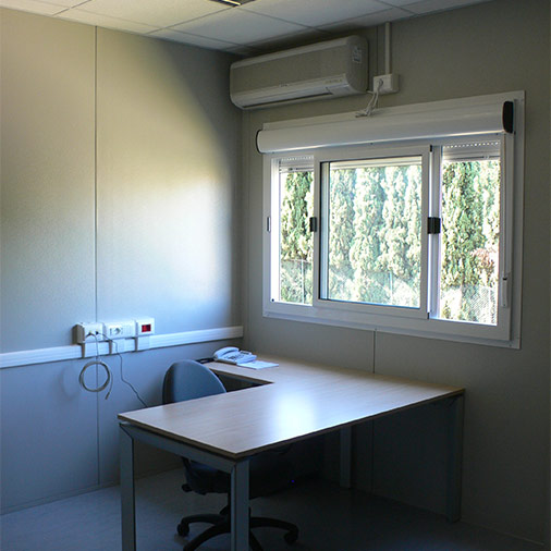 RENT RH15 module office interior