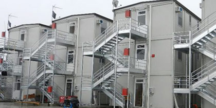Three-story building site accommodations